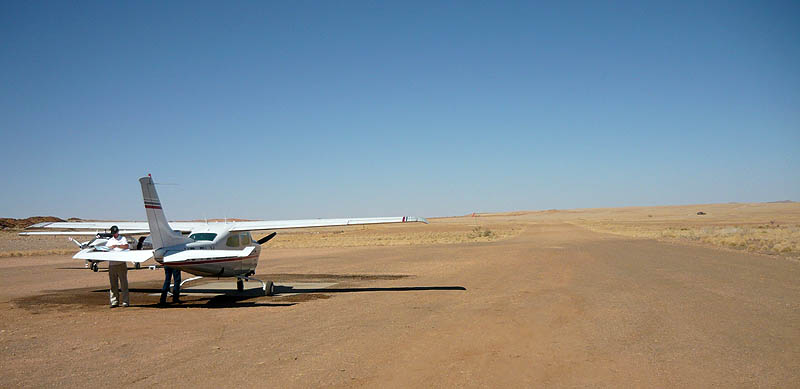 rostock-international-airport-cessna-210-namibia-2
